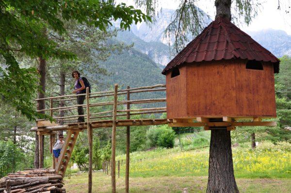 Il villaggio sugli alberi in Friuli dove si realizzano le avventure che sognavi da bambino