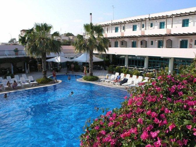 Puglia per bambini: in Salento hotel e residence con spiaggia privata e animazione