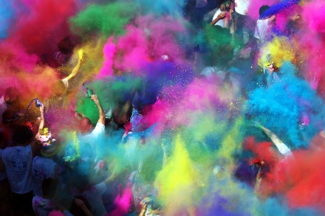 Crazy Color Run, la Festa dei Folli di Corinaldo (Ancona).