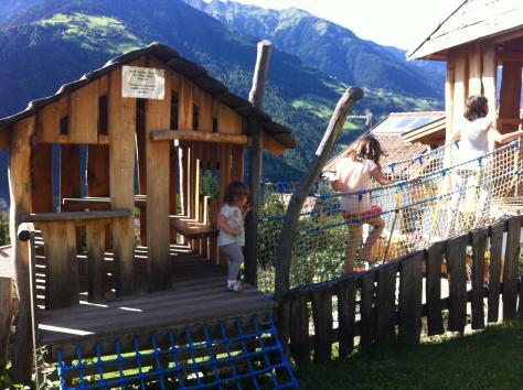 Area giochi esterna- Hotel Gutemberg- Schenna