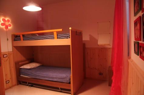 Camera bambini, Trullallegro, Noci, Puglia.