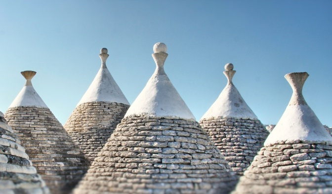Il trullo, la piscina, gli ulivi: una vacanza in Puglia a misura di bambini