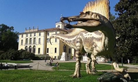 Spinosauro ai Giardini Palestro di Milano