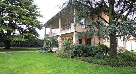 Villa Ale, appartamenti indipendenti con giardino vicino al Lago di Garda