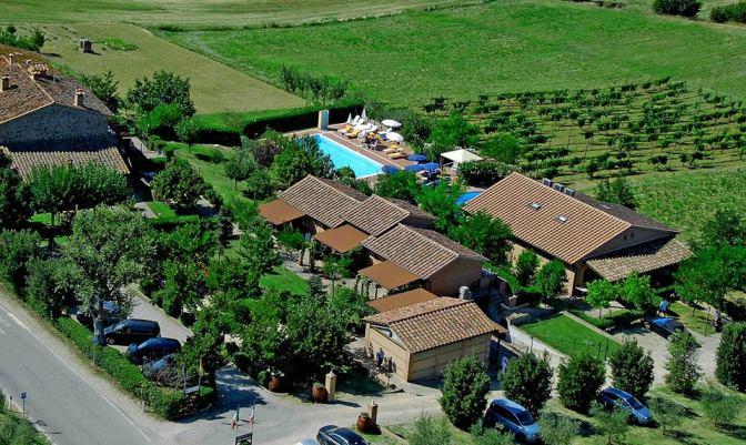 Tenuta Badia, appartamenti in family residence a due passi dal Lago Trasimeno