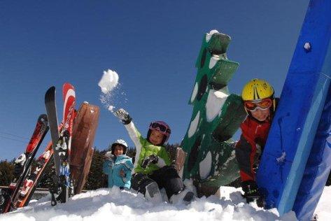 Settimana bianca family a Predazzo, Val di Fiemme, Dolomiti, Trentino Alto Adige. Parchi per bambini: Cermislandia