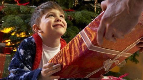 Babbo Natale consegna i regali ai bambini- last Minute Natale