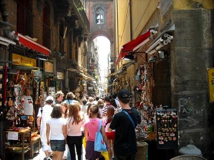 Soggiorno e visita guidata a Napoli con Around Family- SpaccaNapoli