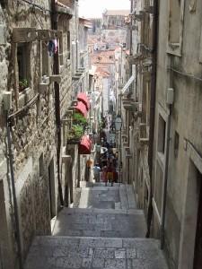 Pacchetto soggiorno più visita guidata a Napoli- i vicoli