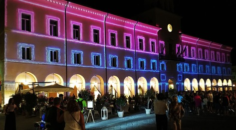 Video_mapping_a_cervia_immagini_in_piazza