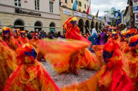 Carnevale_foiano_piazza_sfilata