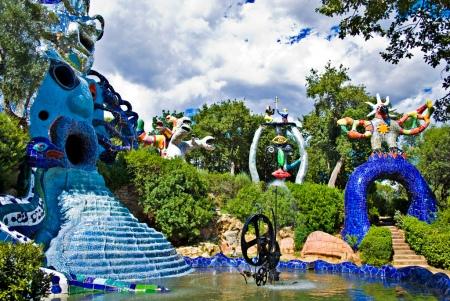 Il Giardino dei Tarocchi-le statue