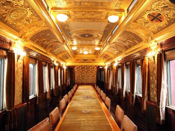 Visitare Napoli con i bambini. Il museo ferroviario di Pietrarsa.