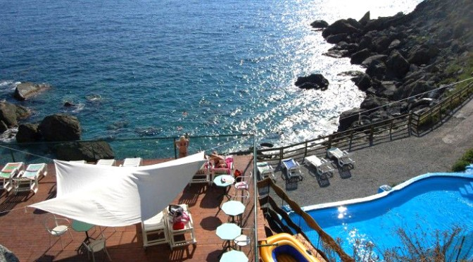 A picco sul mare delle Cinque Terre: a Bonassola il Resort per le famiglie che amano la natura