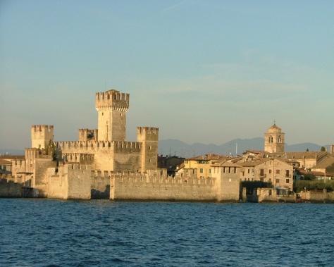 castelli_italia_castello_scaligero_sirmione