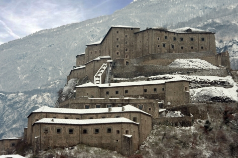 castelli_italia_valle_aosta_forte_di_bard