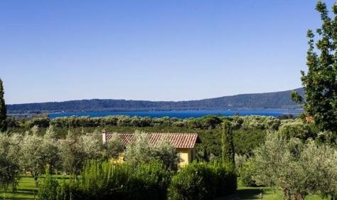 Vista del lago di Vico