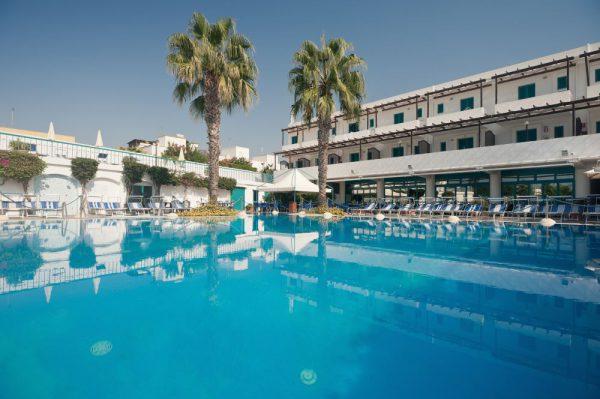 Tanta voglia di Puglia: a Marina di Ugento vacanze in residence e servizi da hotel
