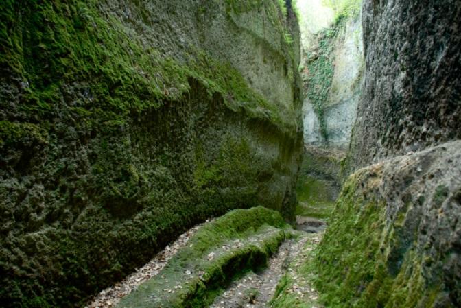 Il sentiero dei sentieri. Le vie Cave di Sorano e il mistero degli Etruschi