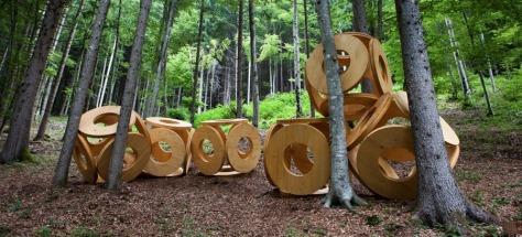 Percorso artenatura di Artesella, installazioni artistiche nel cuore della Valsugana, Trentino Alto Adige
