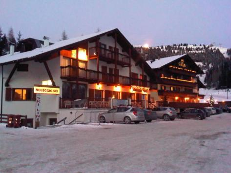 hotel grizzly-notte