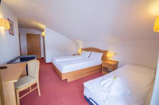 hotel_grizzly_camera_quadrupla_letti_affiancati
