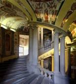 palazzo_farnese_scala_regia