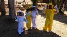 trasimeno_attivita_bambini_apicoltore_tuta