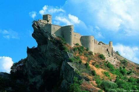 Cascate castelli parchi e musei 52 luoghi straordinari for Robur calorio 52 prezzo