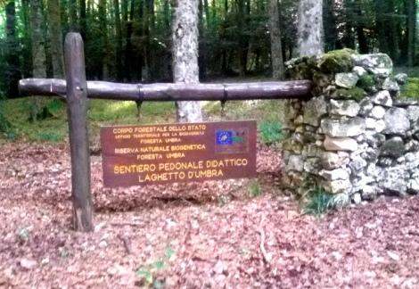gargano-foresta-umbra-lago-cartello indicazioni