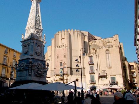Napoli- piazza San Domenico Maggiore