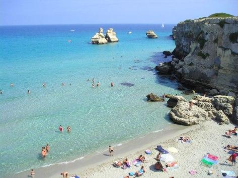 Alba Azzurra Villaggio spiaggia due sorelle