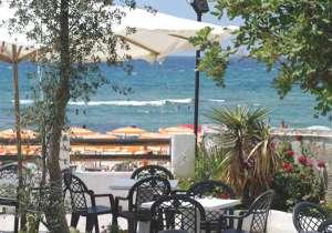 Hotel Il Faro ad Acciaroli-rotonda sul mare-spiaggia privata