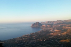 Baia Cornino e monte Cofano visti da Erice