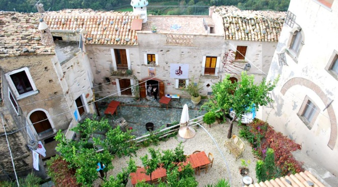 Borghi da favola/ 3: coi bambini alla scoperta degli alberghi diffusi – sud Italia