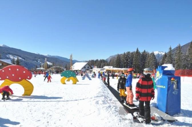 Sulla neve coi bambini: settimana bianca per famiglie in Trentino