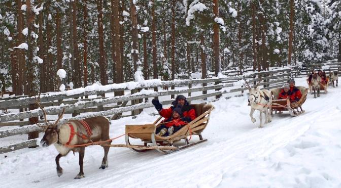 Sotto l'aurora boreale in un mare bianco ghiaccio: Viaggio in Lapponia con i bambini