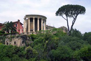 Villa Gregoriana_tempio